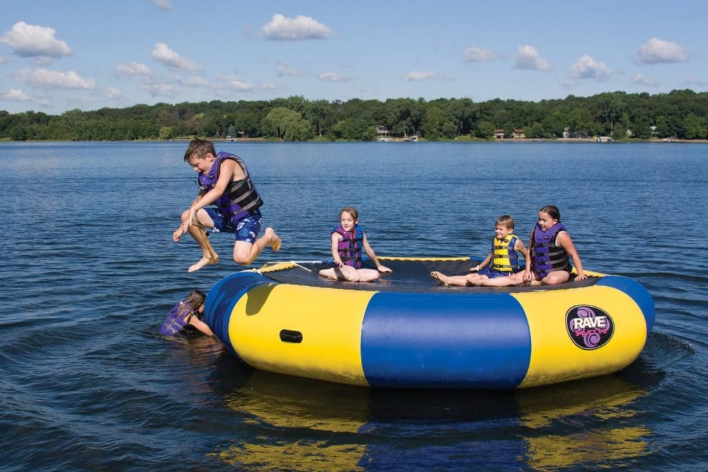 The Benefits of Water Trampolines and TOP 5 Reviews of 2021