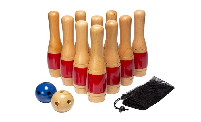 Lawn Bowling Game as backyard games